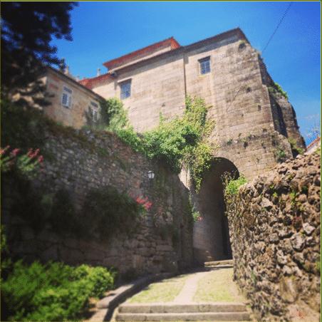 Imagen edificio de piedra